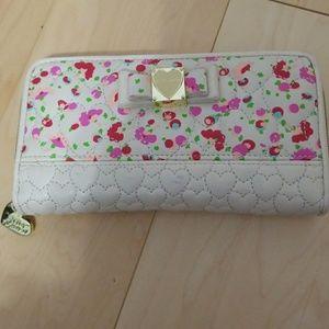 Betsey Johnson Zip Wallet